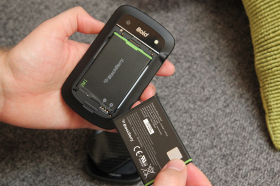 BlackBerry Battery for Bold 9900, Bold 9930, Torch 9850, Torch 9860