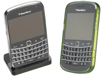 BlackBerry Bold 9900 Charging Pod & Case