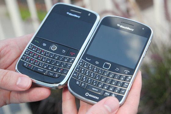 BlackBerry Bold 9000 vs. 9900