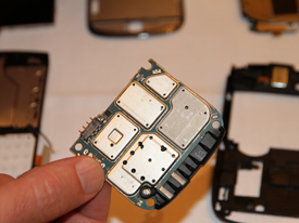 BlackBerry Torch 9800 antenna attached to main board
