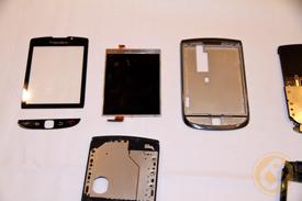center: The BlackBerry Torch's 360x480 glass
