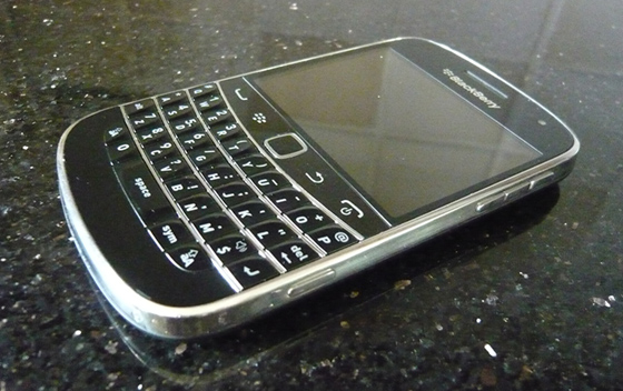 Platinum BlackBerry Bold 9900