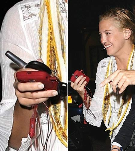Kate Hudson has a BlackBerry Bold!