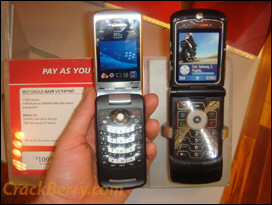 Side by Side: BlackBerry KickStart vs. Motorola RAZR V3