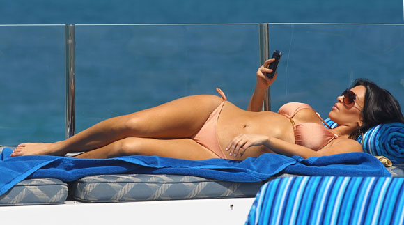 Kim Kardashian is a BlackBerry Addict