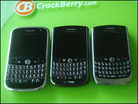 BlackBerry Bold on the left, Curve 8900 on the right. The Tour is a mix of both these GSM devices with CDMA world phone stylings .