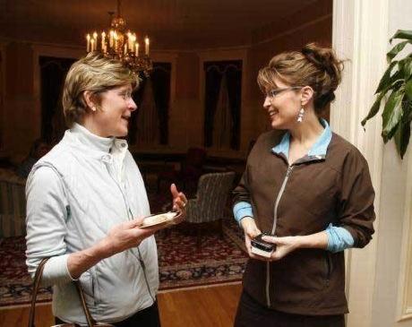 Sarah Palin is a BlackBerry User