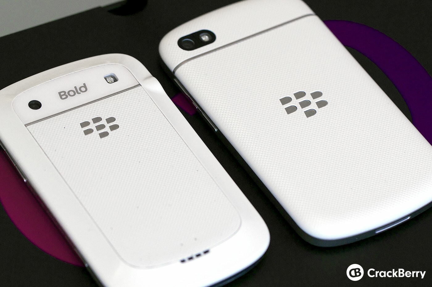 White BlackBerry Q10 (right) and Bold 9900 (left) Back