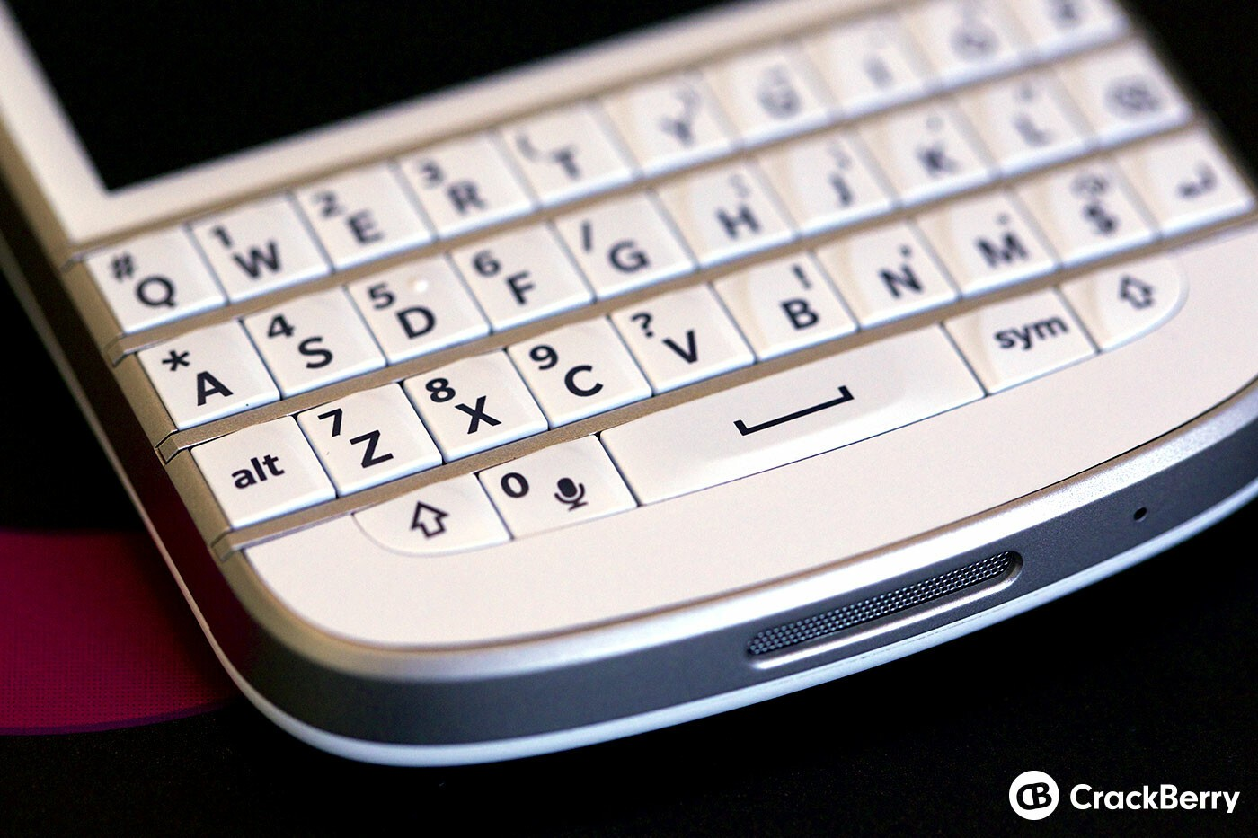 White BlackBerry Q10 Keyboard