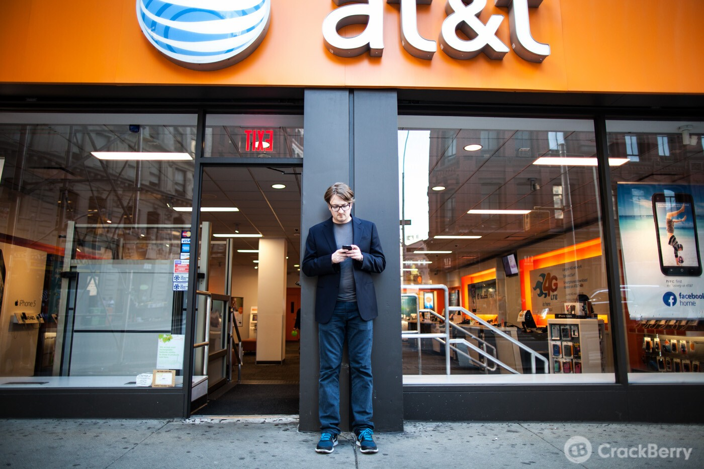 AT&T adds international LTE roaming in Spain, France, Japan, Australia, Singapore, and 8 other countries