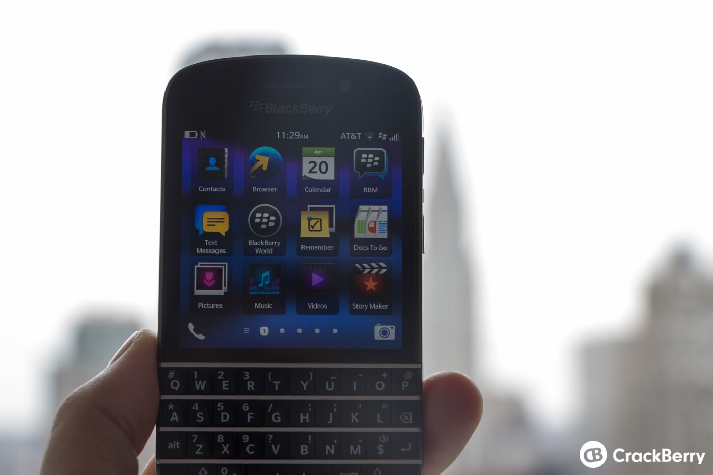 Comparing cloud services on the BlackBerry Q10