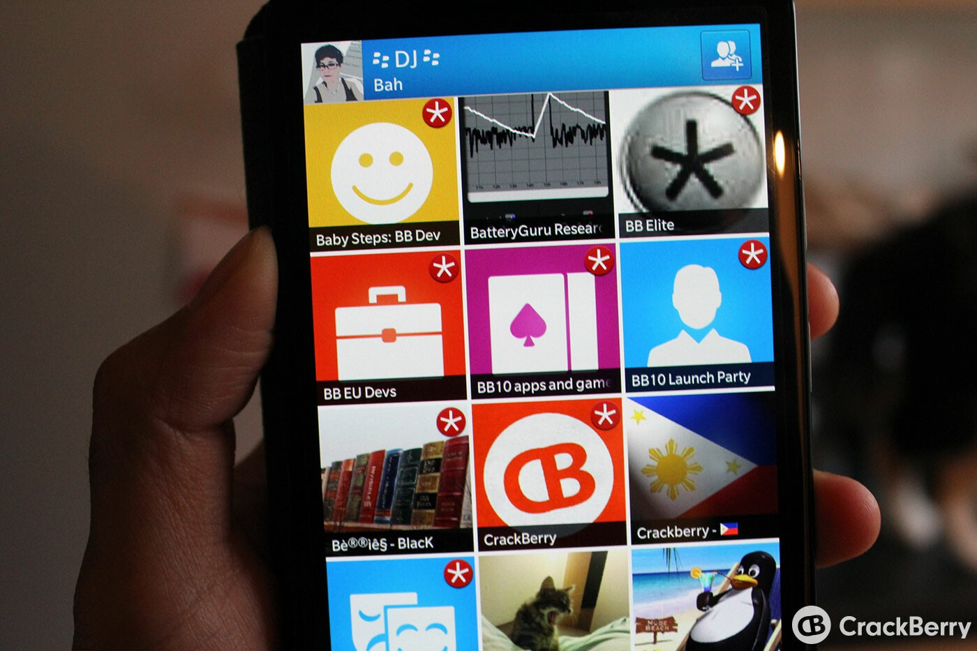 How to turn off BBM group chat alerts or remove from the Hub