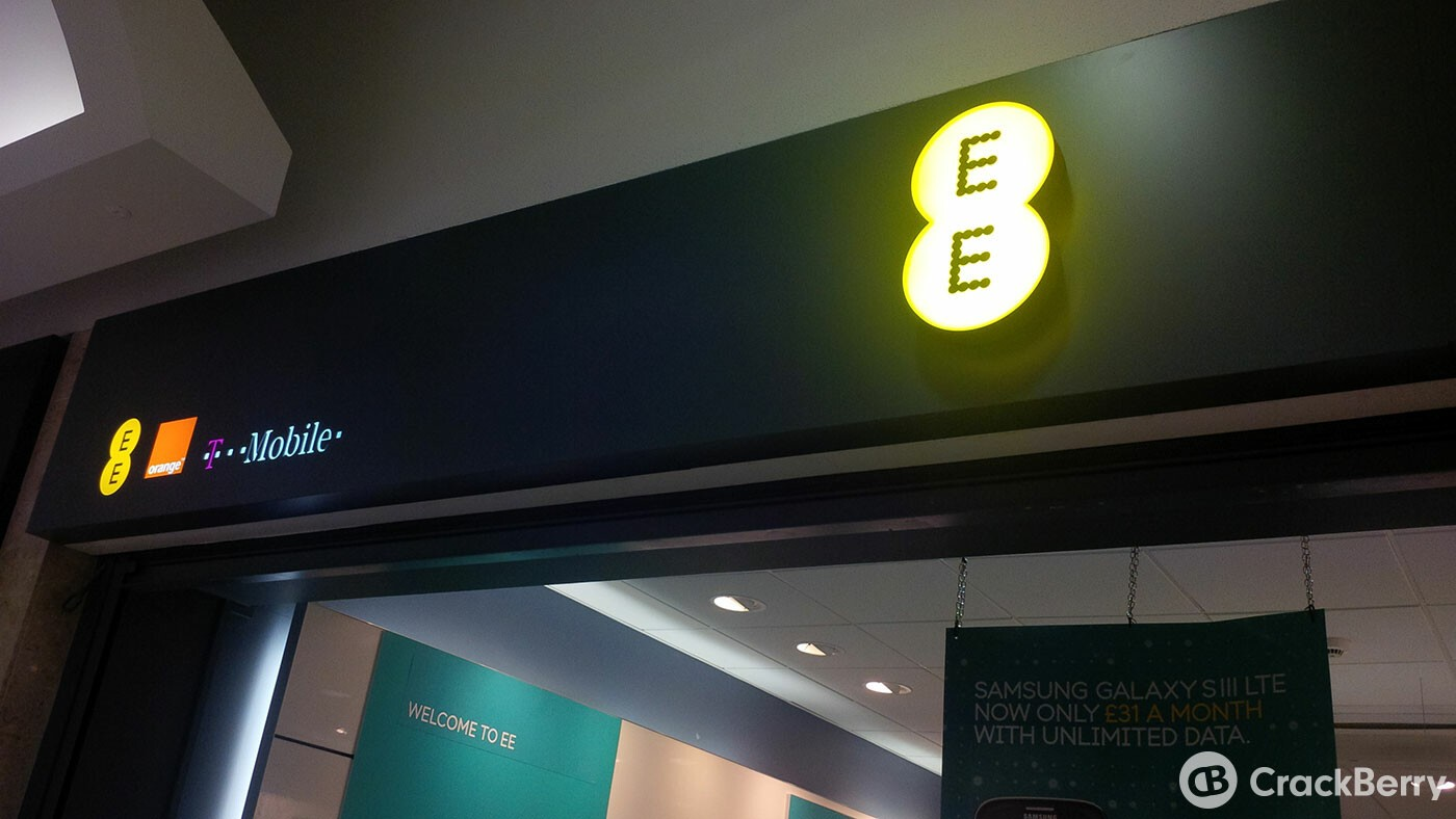 39% of EE customers use their mobile device to shop for Christmas