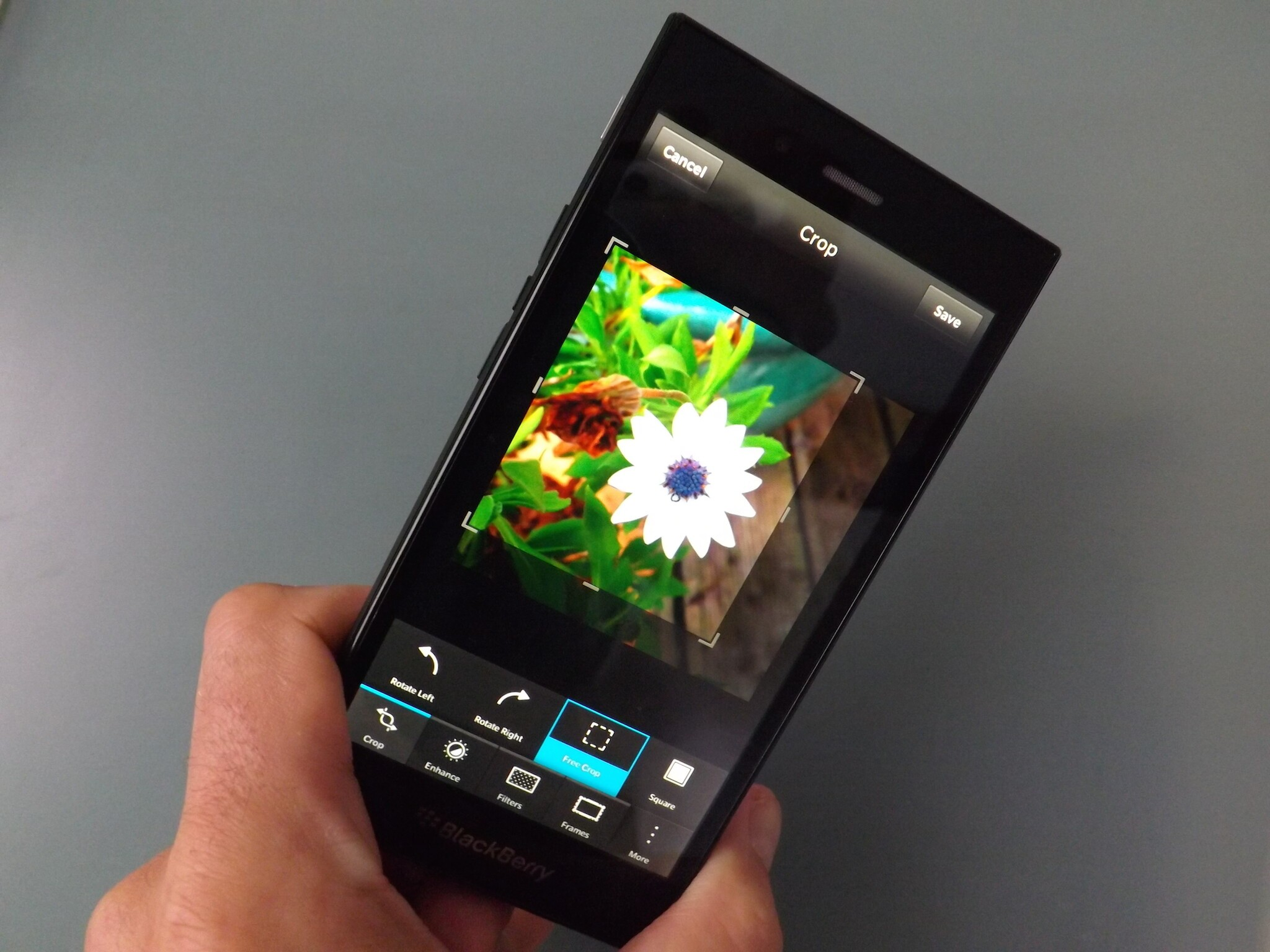How to edit photos on the BlackBerry Z3