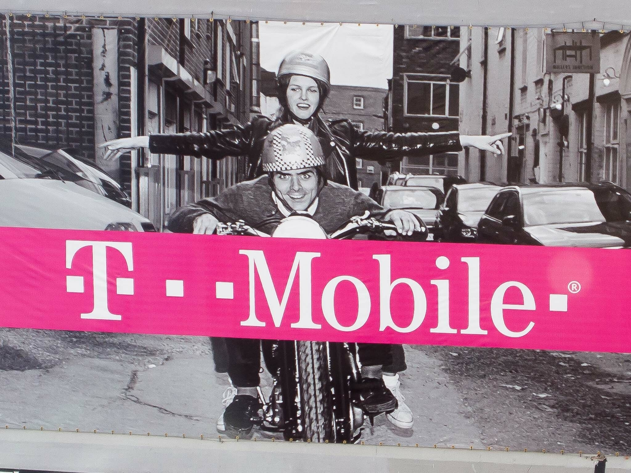Comcast is reportedly interested in acquiring T-Mobile US