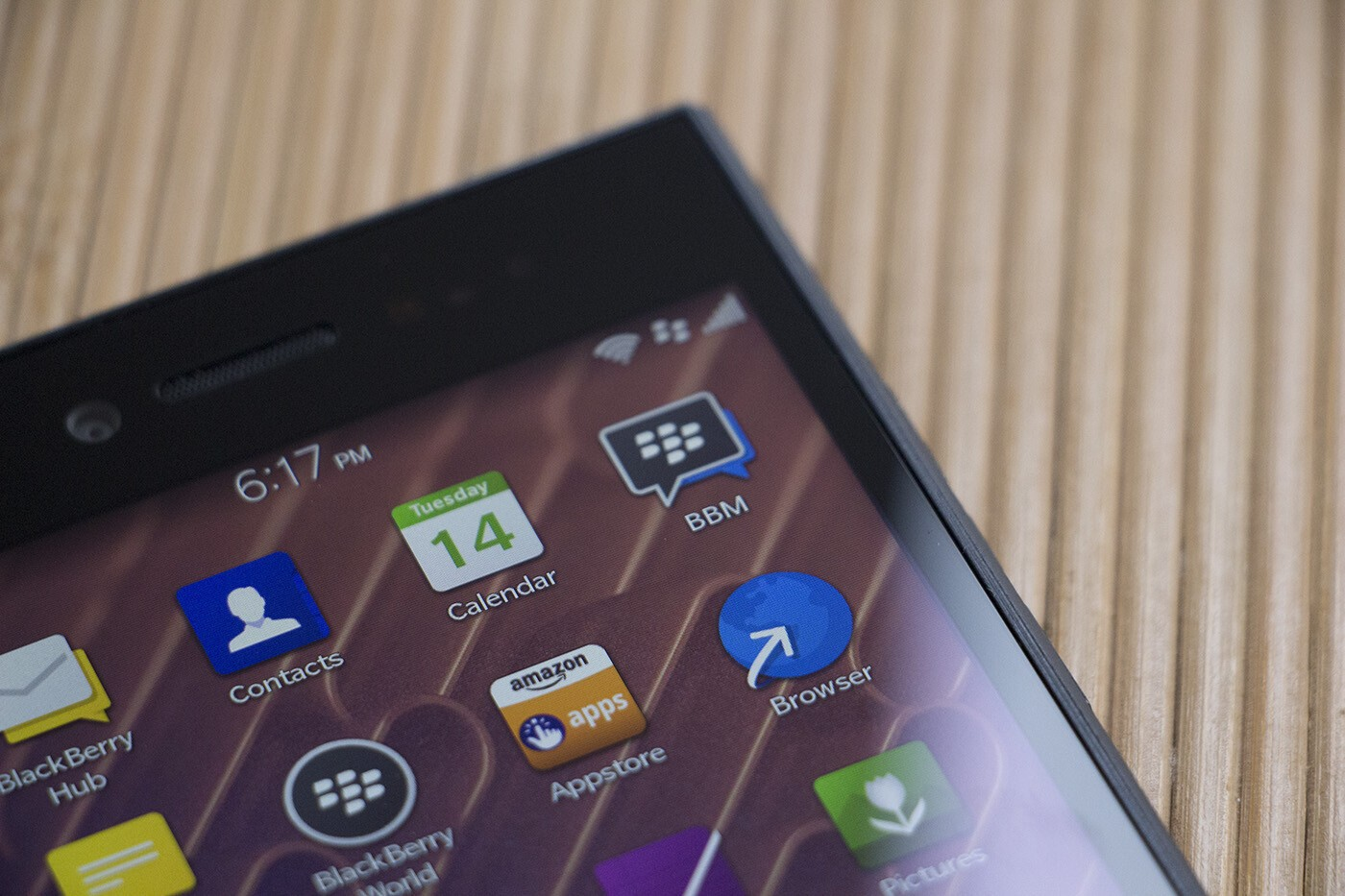 BBM for BlackBerry 10 updated, all Privacy and Control features now free!