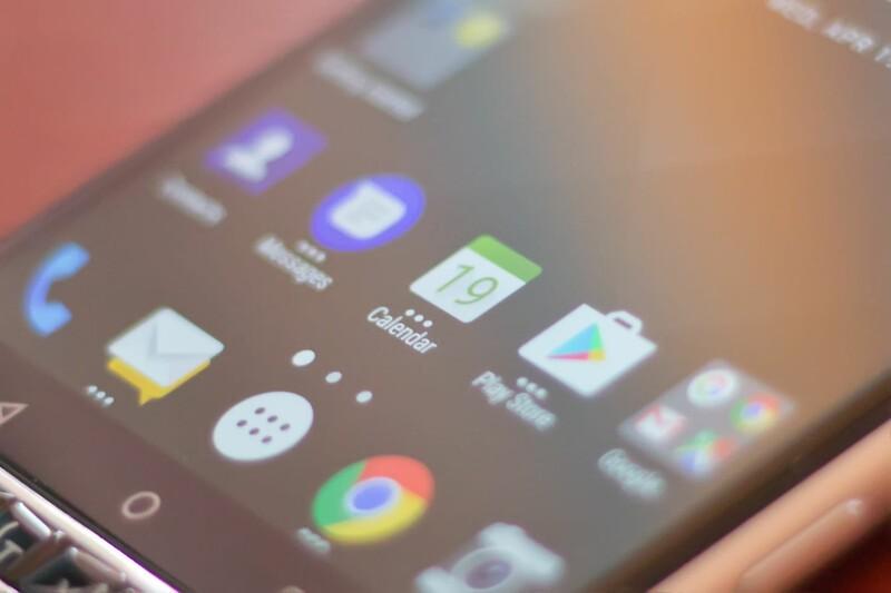 BlackBerry KEYone pop-up widgets