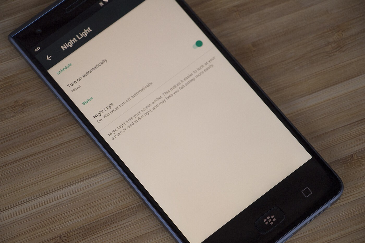 How to enable the Night Light feature on the BlackBerry Motion