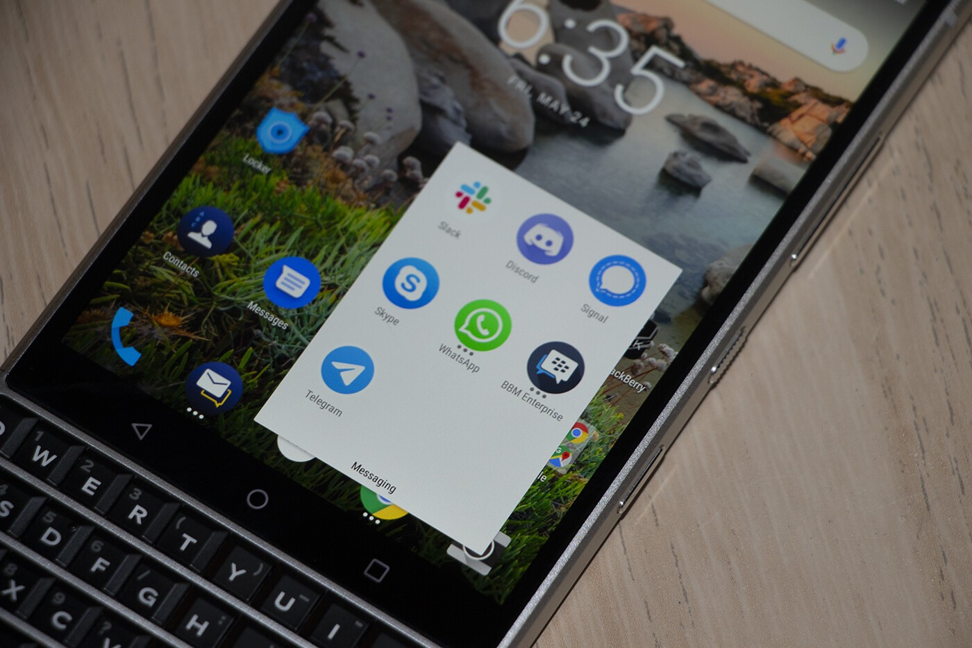 Seven slick messaging apps to keep you connected on your BlackBerry!