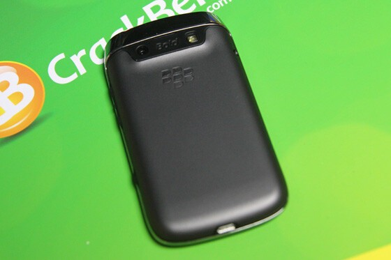 The back of the Bold 9790 is relatively plain. No faux leather. No carbon fiber weave