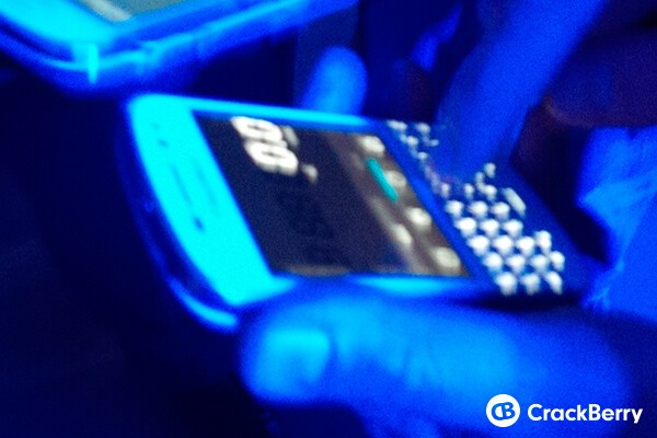 The BlackBerry Q10 in White, looking hot!