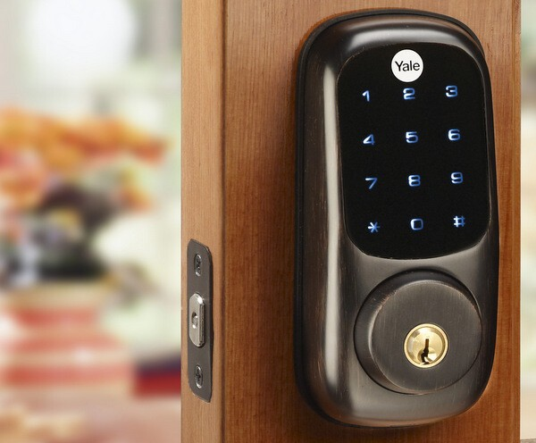 Yale Real Living Locks With Nfc Technology At Ces 2012