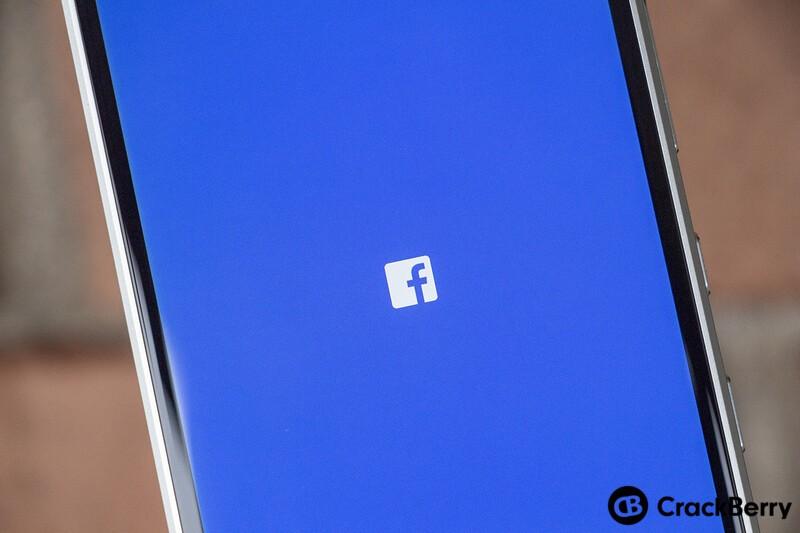 Facebook launch screen on BlackBerry KEY2