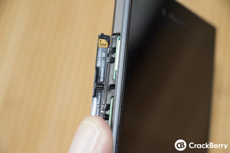 BlackBerry Leap SIM