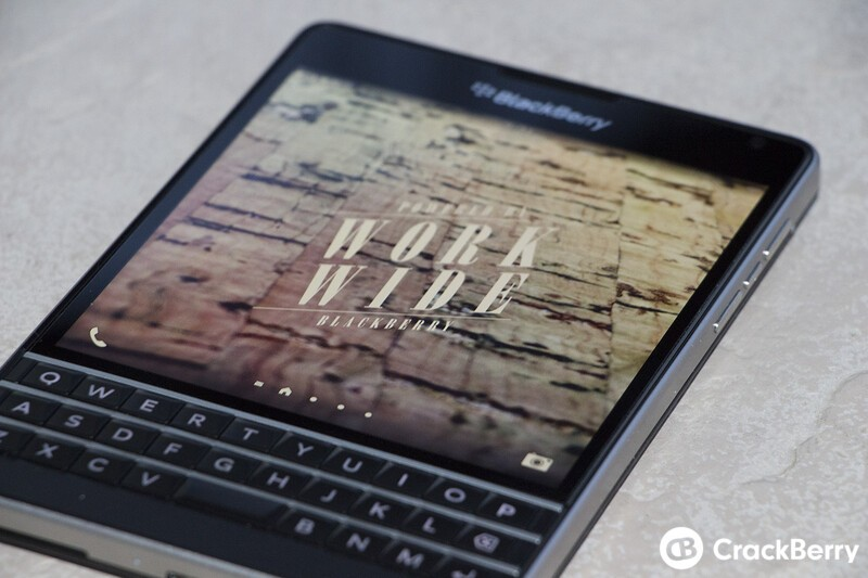 AT&T shaves 00 off their BlackBerry Passport pricing