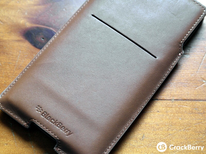 Priv Leather Pouch Back