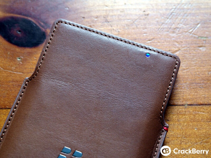 Priv Leather Pouch LED window
