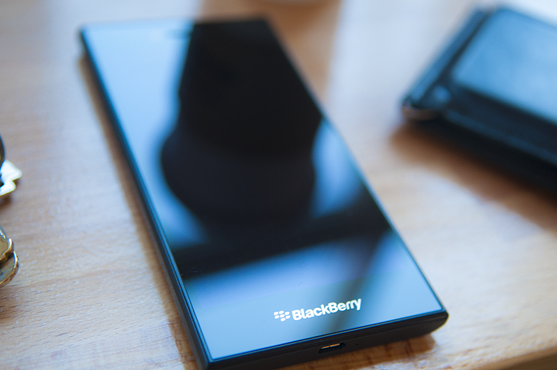 BlackBerry offers up a hands-on look at the BlackBerry Leap