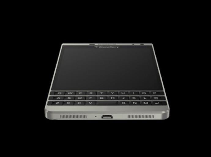 BlackBerry 'Dallas' arrives at the FCC