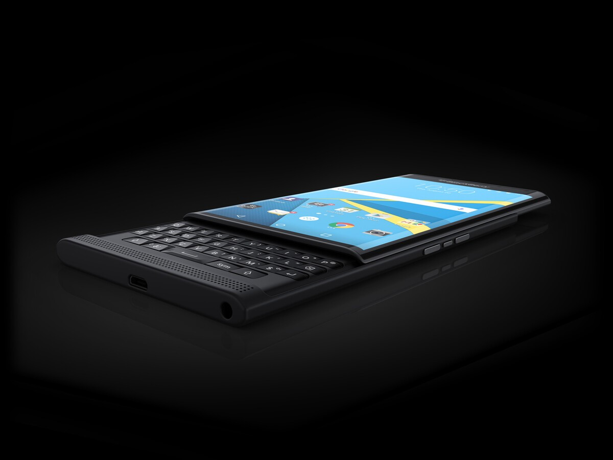 BlackBerry shows off official Priv images