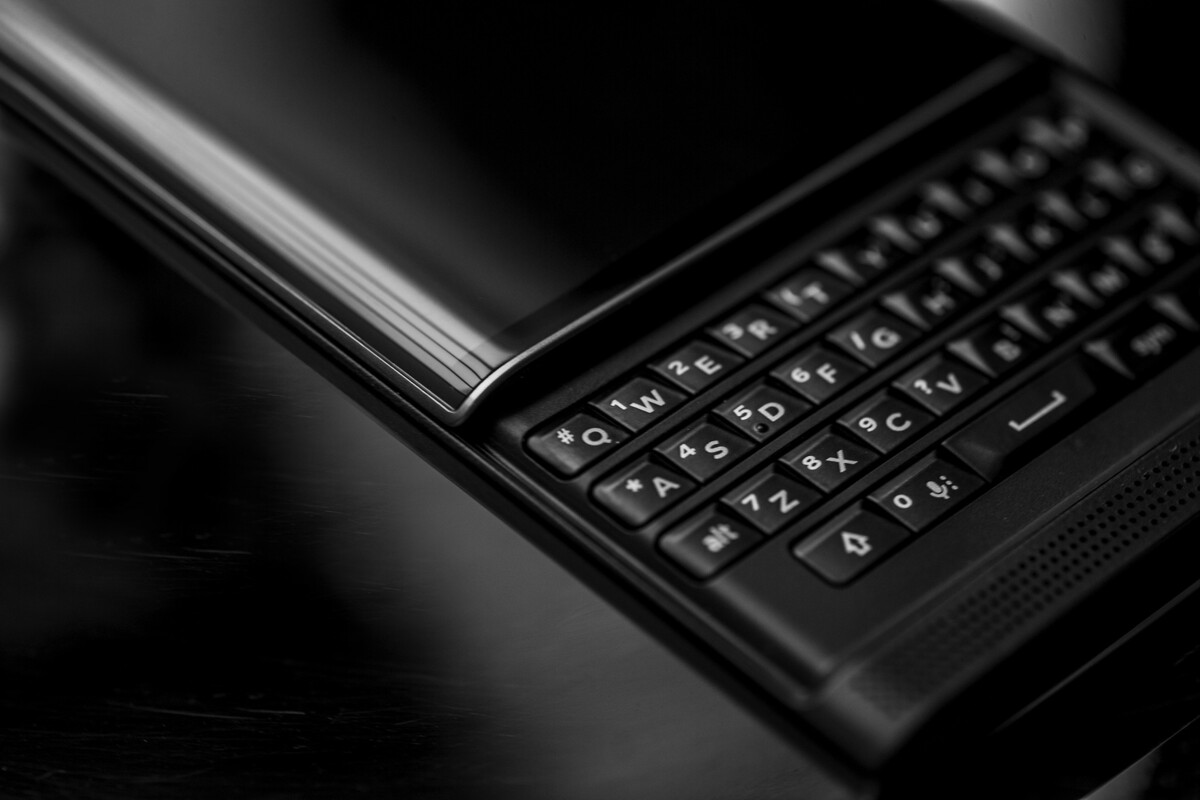 BlackBerry Priv wins Red Dot Award for Product Design 2016