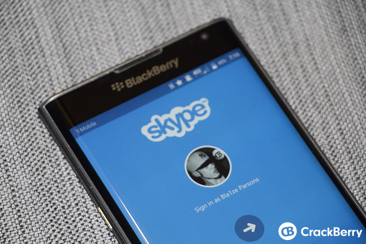 Skype for Android update lets you save video messages and share photos directly to groups