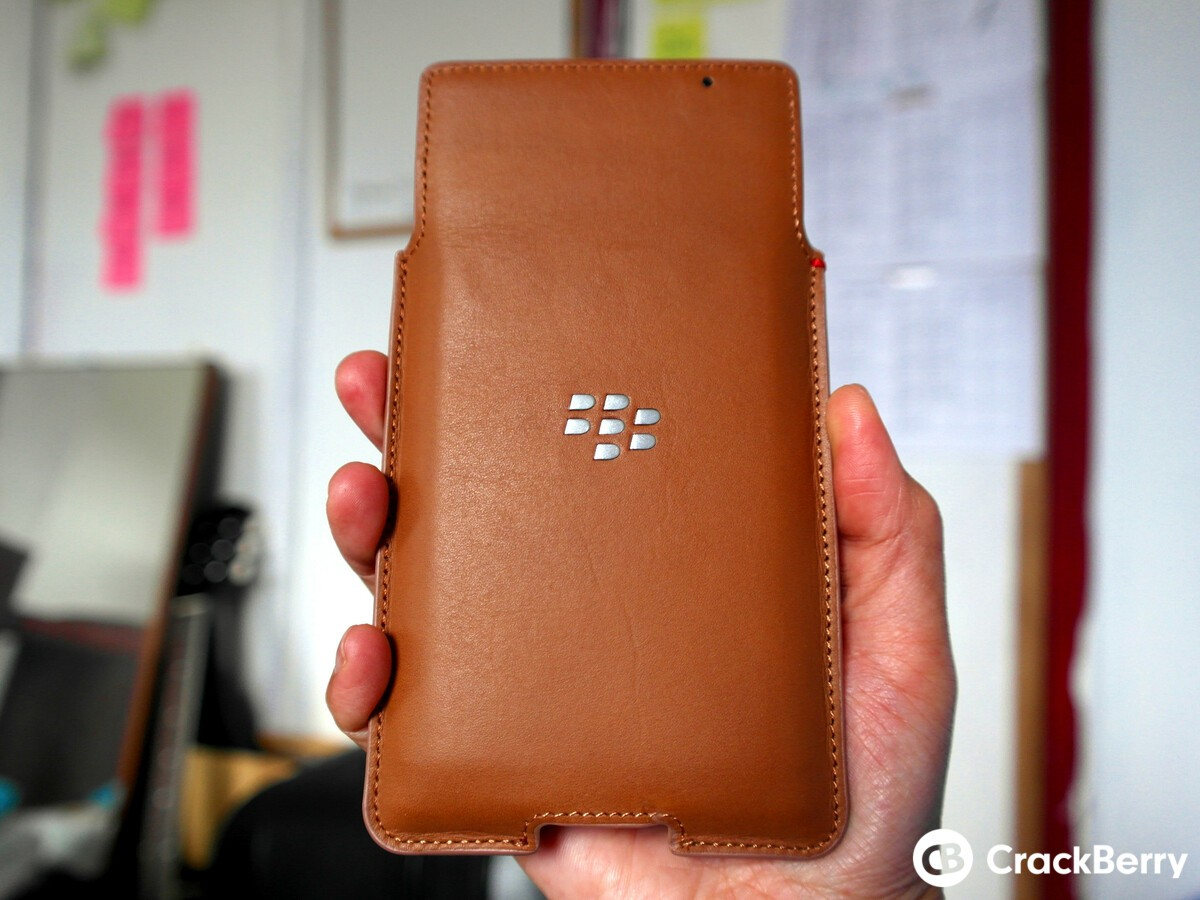 Give your BlackBerry Priv the business look with the OEM Leather Pouch