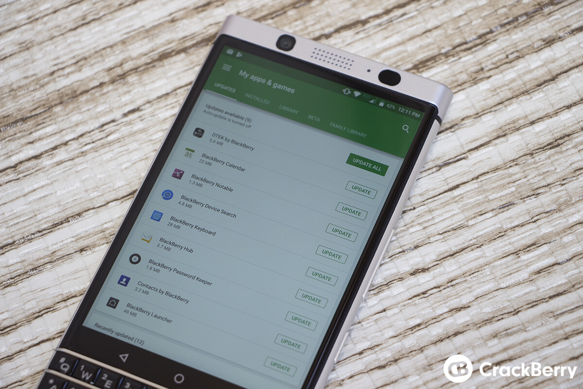 Latest BlackBerry Hub update brings quick file options, Google Hangouts support and more!