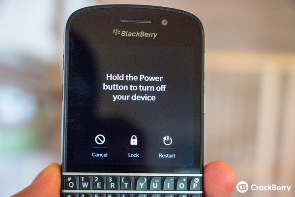 How to quickly lock your BlackBerry 10 phone when using a