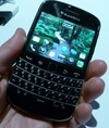 BlackBerry Bold 9900 9930 Front