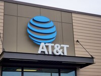 Don't listen to AT&T: Your phone isn't going to stop making calls