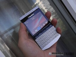 "BlackBerry ""Knight"" 9980 a Porsche-Designed Berry?!"