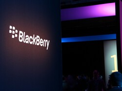 What's behind negative analyst commentary on BlackBerry stock?