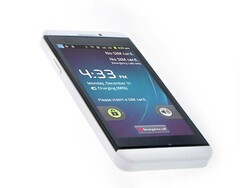 Android-powered BlackBerry Z10 knock-off hits eBay