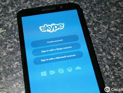 Skype for BlackBerry update brings cloud based chats and other improvements