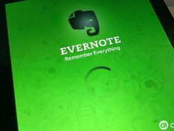 Evernote updated again to remove dark theme