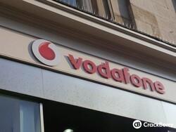 Canada loans Vodafone $850 million to buy BlackBerry