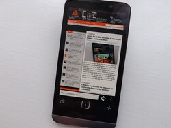 Web browsing just got a bit more funky with Alpha Browser for BlackBerry 10