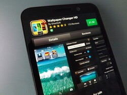 Spice up your device as Wallpaper Changer HD for BlackBerry 10 goes headless