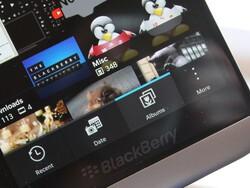 Dear Berry: How do I scroll through my photos on BlackBerry 10?